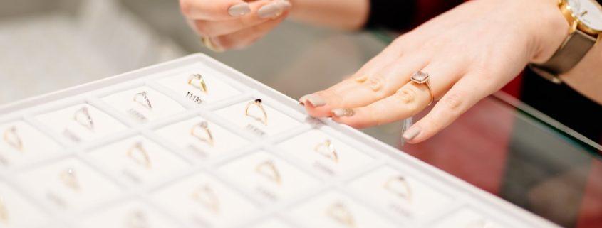 Como comprar joias